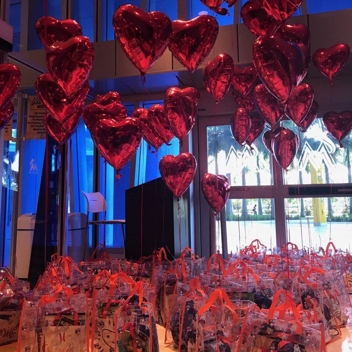 jar of hearts balloons